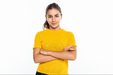 sárga pólós lány 250